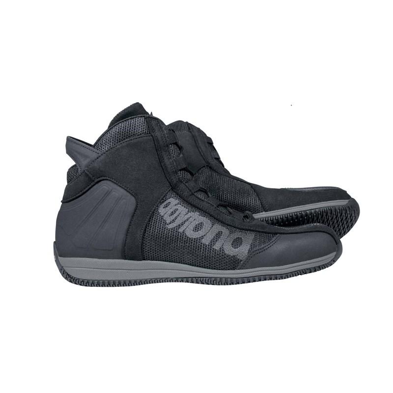 Hier sehen Sie den Artikel DAYTONA AC4 aus der Kategorie Sneakers. Dieser Artikel ist erhältlich bei motocorner.ch