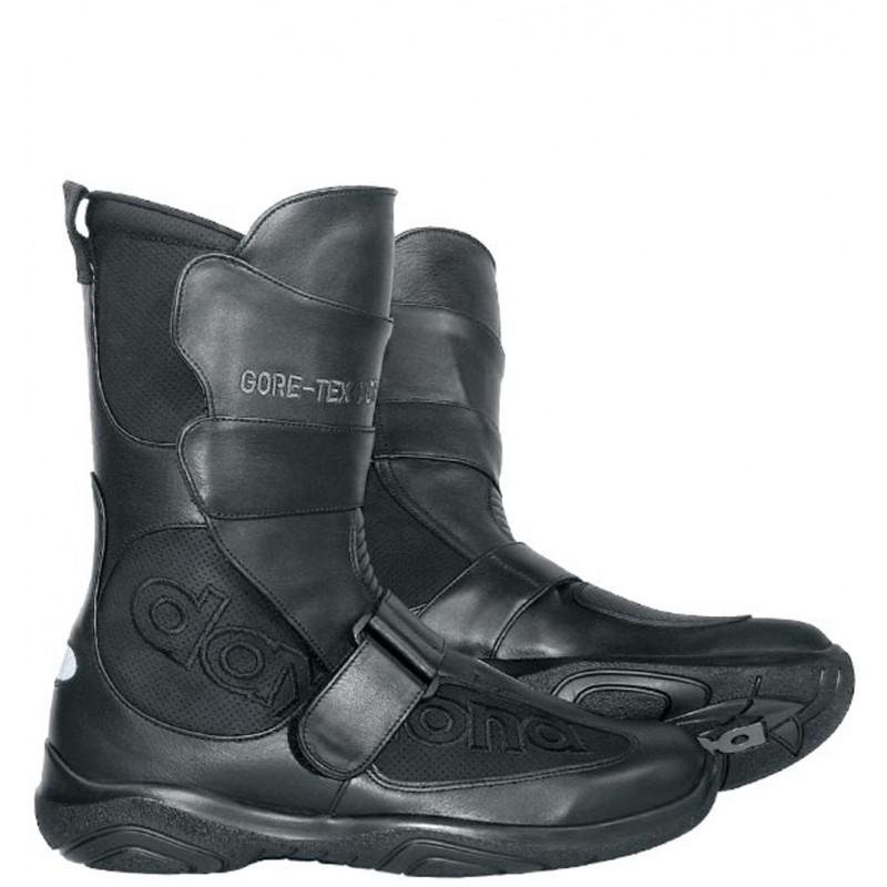 Hier sehen Sie den Artikel DAYTONA BURDIT XCR aus der Kategorie Touring Stiefel. Dieser Artikel ist erhältlich bei motocorner.ch