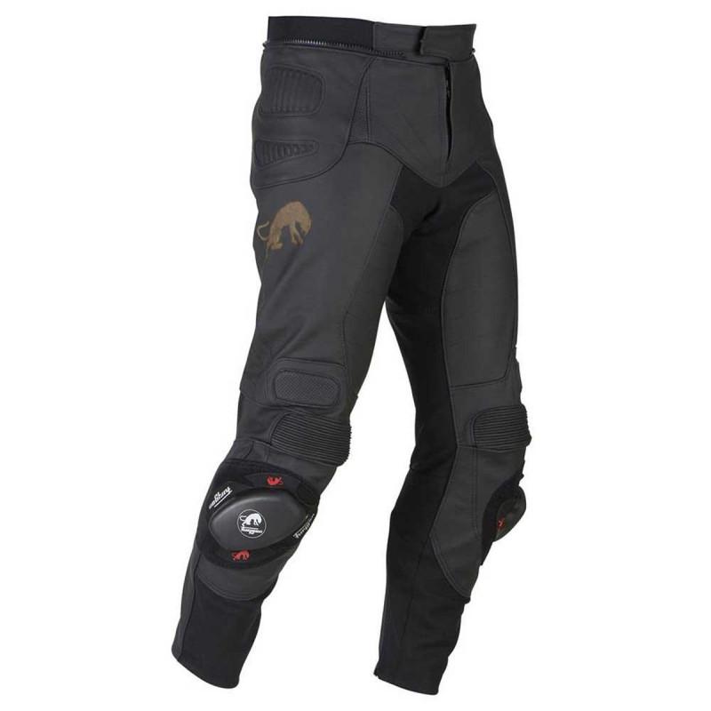 Hier sehen Sie den Artikel FURYGAN SHERMAN PANT aus der Kategorie Leder-Hosen. Dieser Artikel ist erhältlich bei motocorner.ch