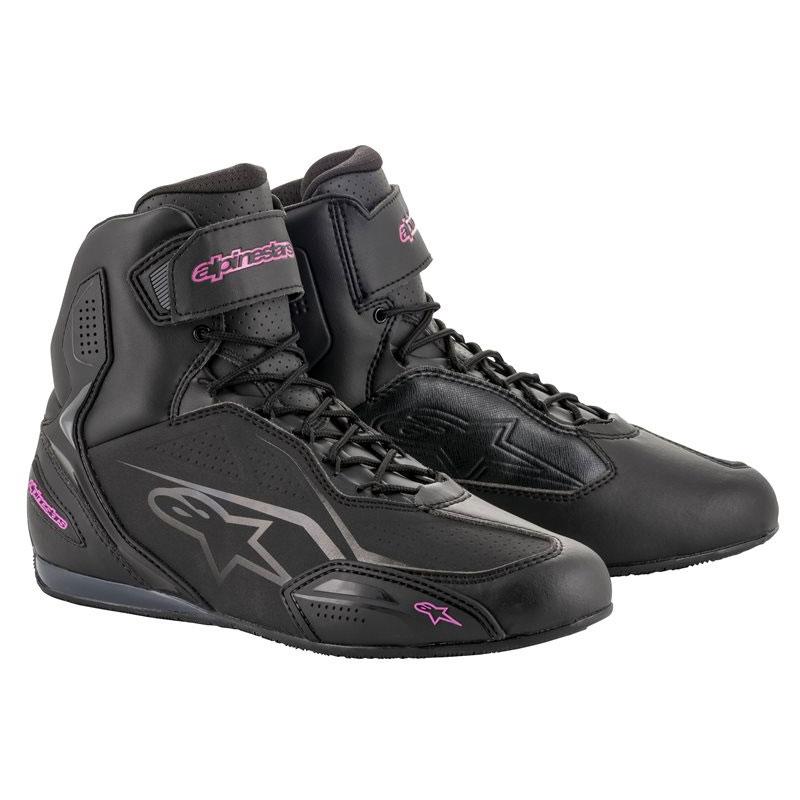 Hier sehen Sie den Artikel ALPINESTARS STELLA FASTER 3 aus der Kategorie Sneakers. Dieser Artikel ist erhältlich bei motocorner.ch